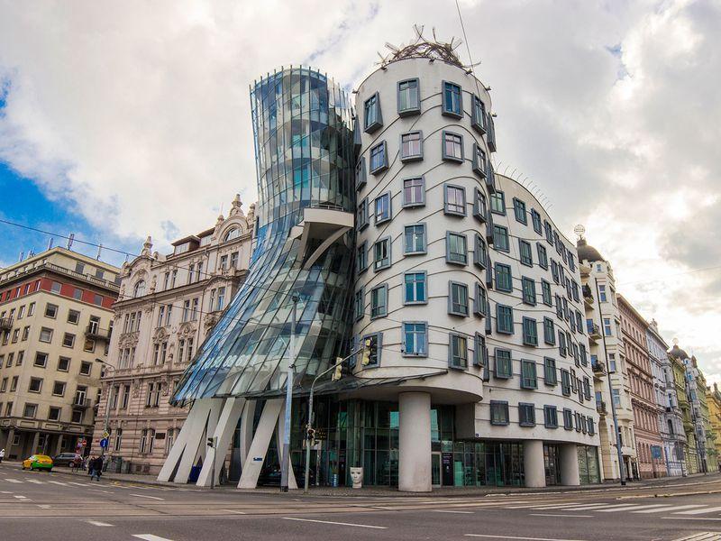 Экскурсия Современная Прага — от Танцующего дома до головы Франца Кафки