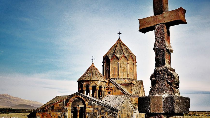 Армянское наследие: монастыри Ованаванк, Сагмосаванк икрепость Амберд