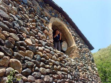Тур одного дня: археологические раскопки и музей Дманиси