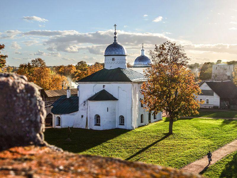 Экскурсия Изборск иПечоры: хранители древнего наследия