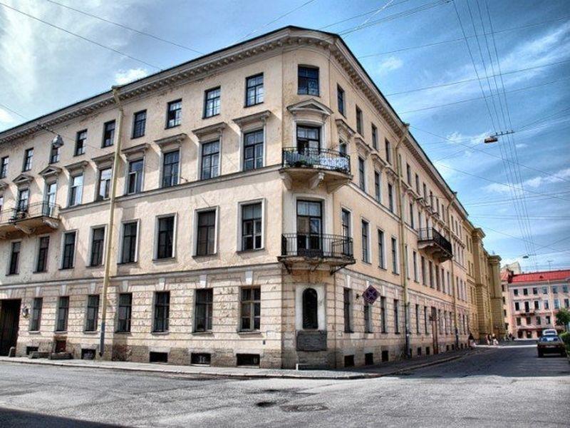 Экскурсия Гоголь и Достоевский в городе на Неве