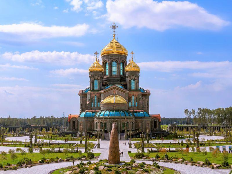 Экскурсия из Москвы в парк «Патриот» и Храм вооруженных сил
