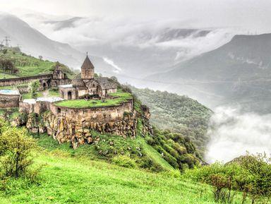 Красота и древность южной Армении в монастыре Татев