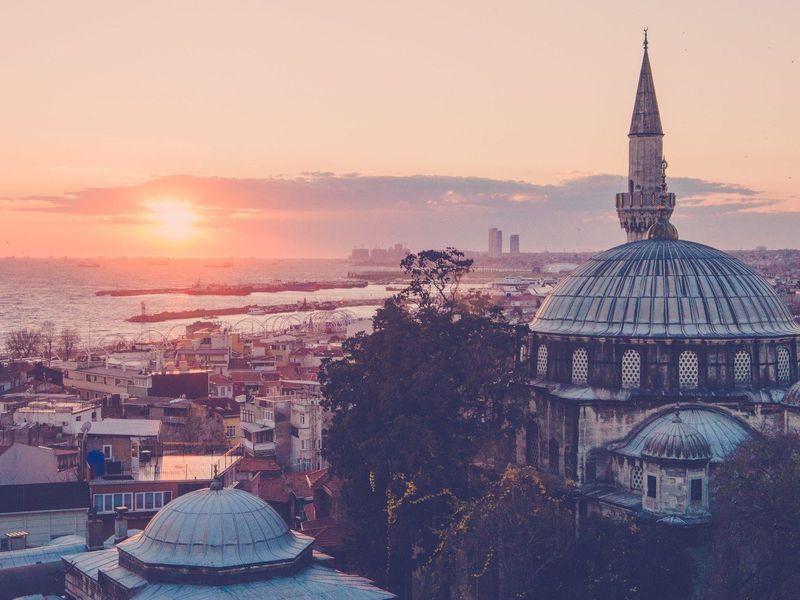Экскурсия Кволшебному закату иночным фонарям Стамбула