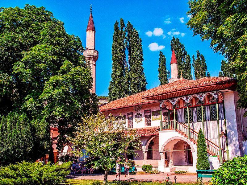 Экскурсия Бахчисарай— дворец садов, или восточная сказка Европы