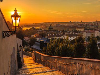Прага в лучах заката: на автобусе и пешком