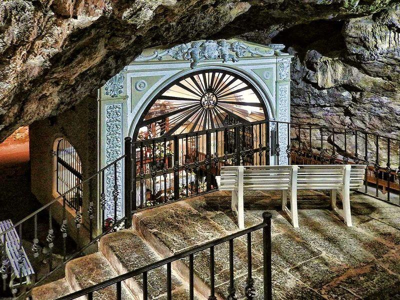 Экскурсия Святая пещера и средневековый Сегорбе