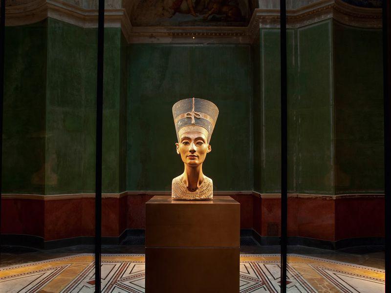 Экскурсия Загадки и легенды Нового музея