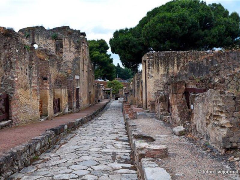 Экскурсия Эрколано-город, носящий имя Геркулеса