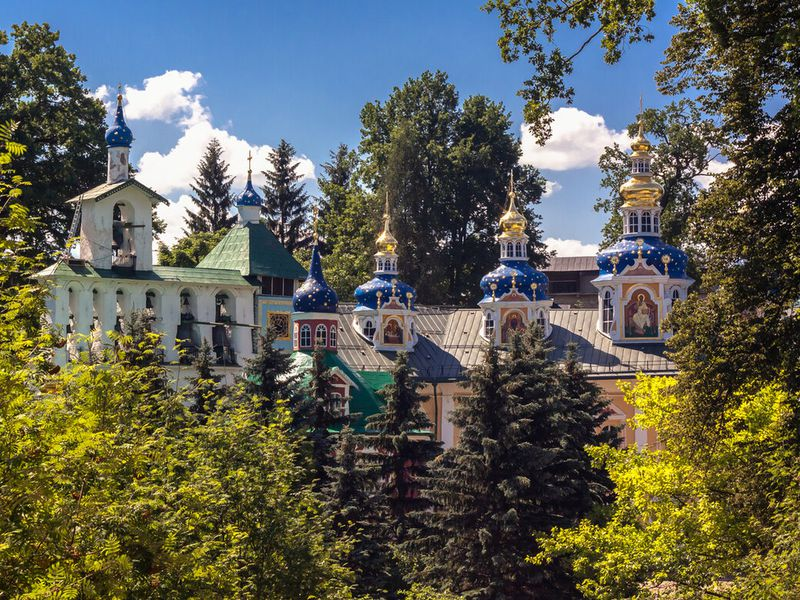 Экскурсия Псково-Печерский монастырь иИзборско-Мальская долина