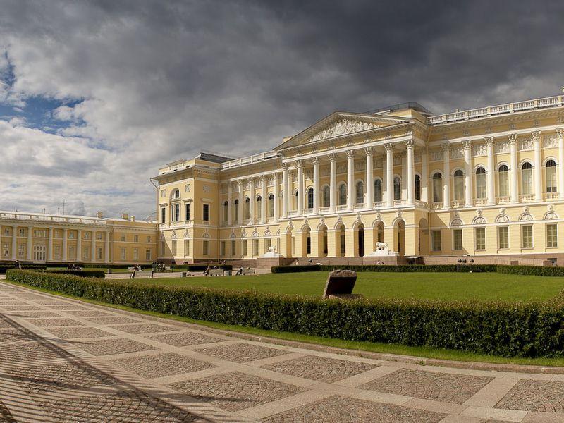 Экскурсия Групповая экскурсия «Дворцовый Петербург»