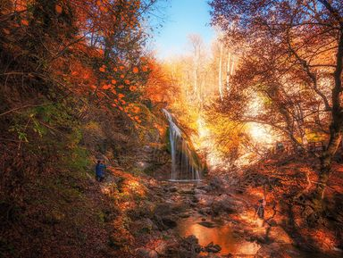 Экскурсия+треккинг: Сырные скалы, водопад Джур-Джур и храм-маяк