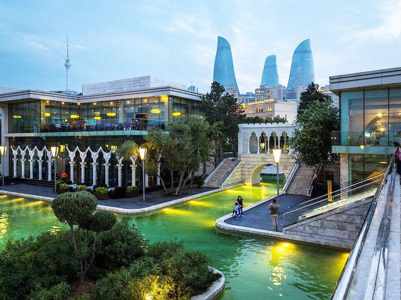 Весь Баку заодин день: прогулка помаршруту «Формулы-1»