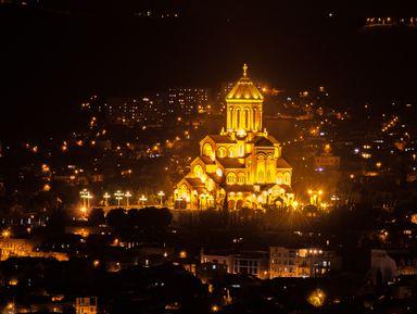 Мерцающий огнями Тбилиси