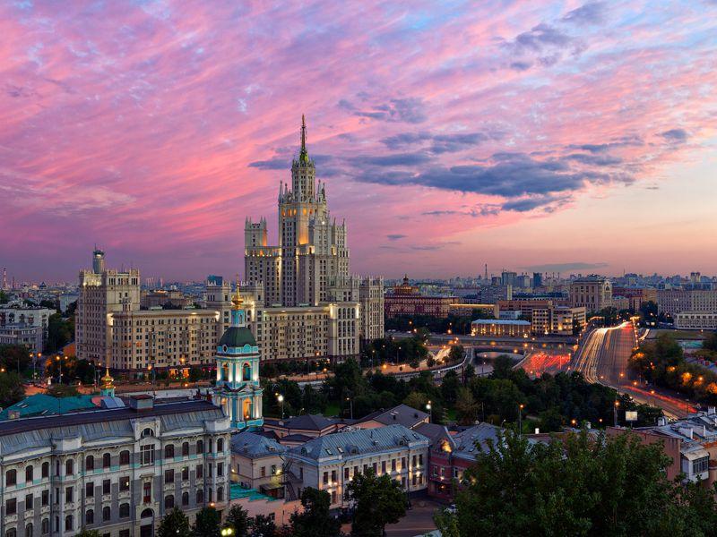 Экскурсия От Китай-города до советского дворца: архитектурная прогулка