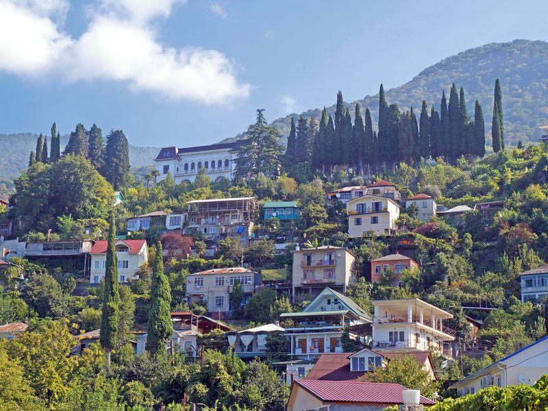 Экскурсия Всердце Абхазии: озеро Рица иНовый Афон