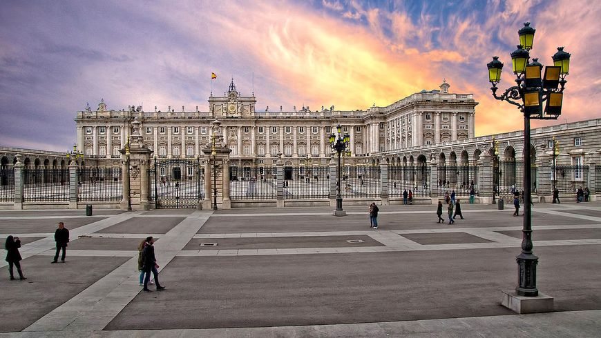 ¡Hola, Мадрид! Первая прогулка покосмополитичной столице Испании