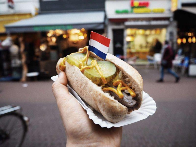 Фото Онлайн-прогулка по небанальному Амстердаму в реальном времени