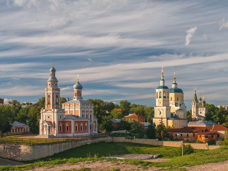 Экскурсия ИзМосквы вСерпухов— наавтомобиле!