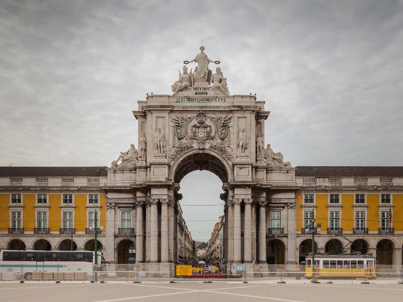 Обзорная экскурсия по Лиссабону на машине