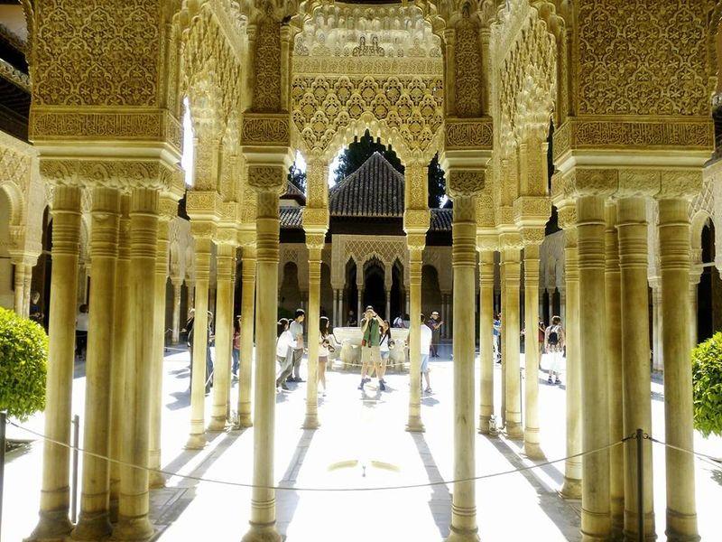 Экскурсия Альгамбра — застывшая поэзия