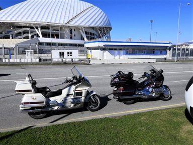 По Олимпийскому парку Сочи на мотоциклах