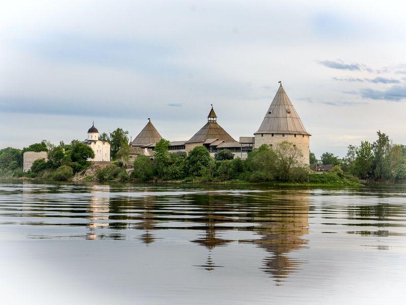 Экскурсия ИзПетербурга— впервую столицу Руси, Старую Ладогу