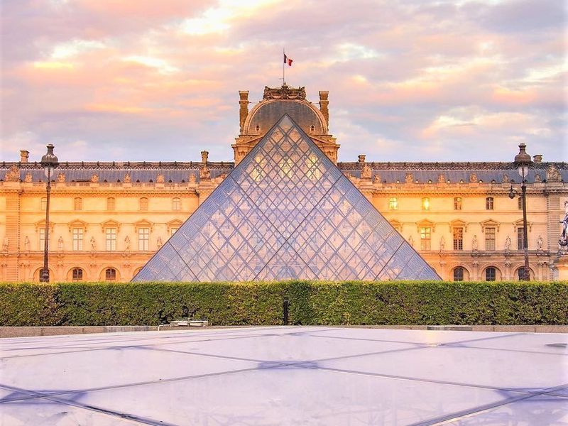 Экскурсия Лувр утром. Билеты гарантированы!