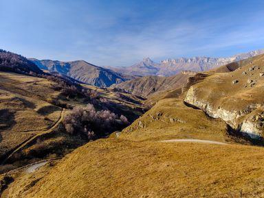 Джип-тур из Железноводска: Чегемские водопады, село Эльтюбю и озеро Гижгит