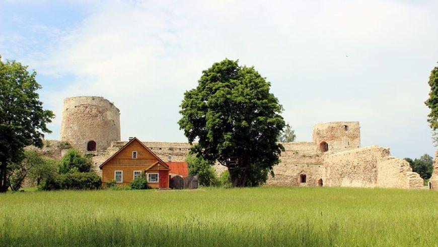 Дух Древней Руси и былинные пейзажи в Изборске
