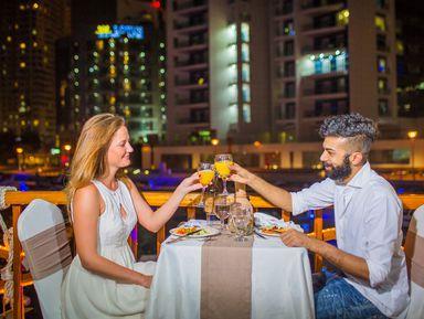 Ужин и вечернее шоу на арабской лодке доу — в Дубай из Аджмана