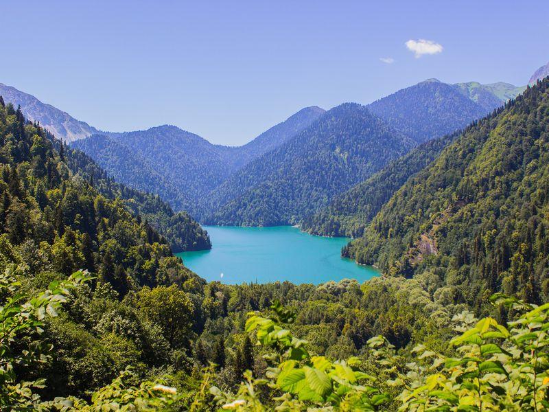 Экскурсия Три в одном: озеро Рица, Новый Афон и Пицунда