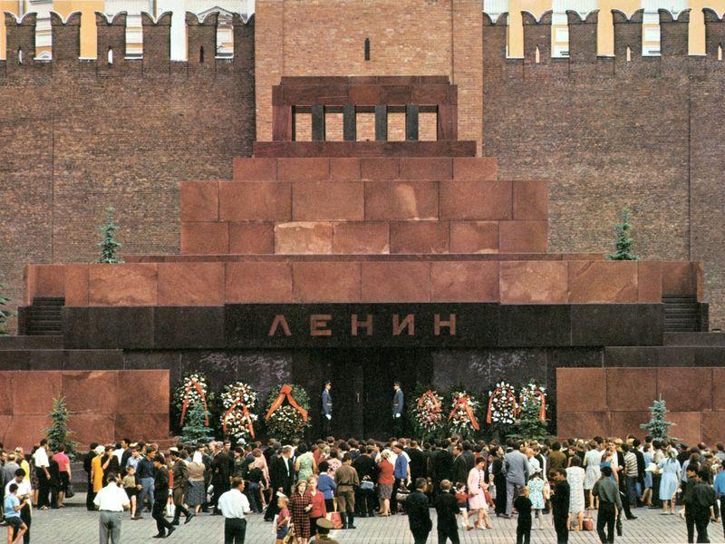 Экскурсия Тайны Кремлевского некрополя и Мавзолея Ленина