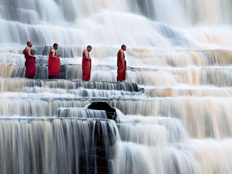 Экскурсия Из Нячанга в Далат: буддийские храмы и водопад Понгур