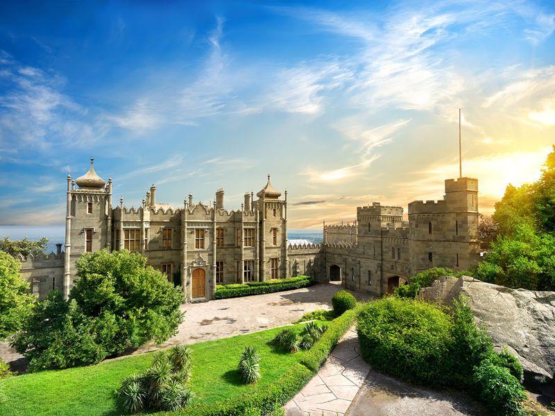 Экскурсия Шедевры Южного Крыма: Воронцовский дворец и замок «Ласточкино гнездо»