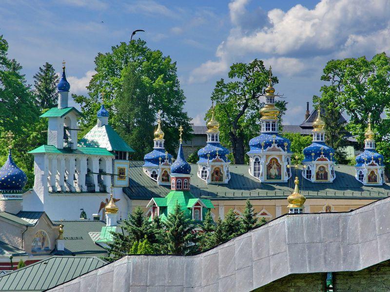 Экскурсия Печоры и Изборск за один день