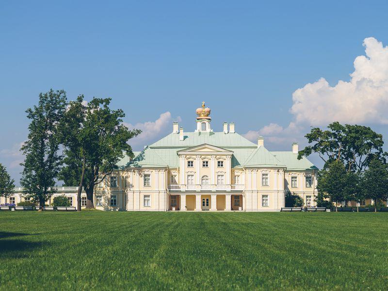 Экскурсия ИзПетербурга— вОраниенбаум иМеньшиковский дворец