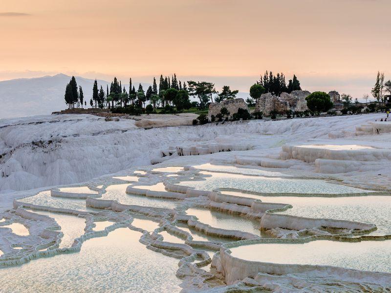 Экскурсия Из Антальи — в Памуккале и античный Иераполис
