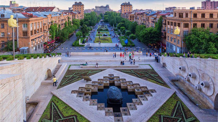 За что полюбить Ереван