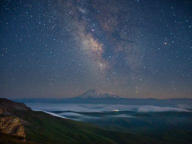 Звездная ночь вобъятиях Кавказа