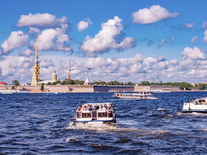 Экскурсия Водная прогулка «Полуденный выстрел пушки в Петропавловской крепости»