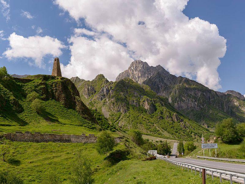 Экскурсия Военно-Грузинская дорога: путь, воплощающий Кавказ