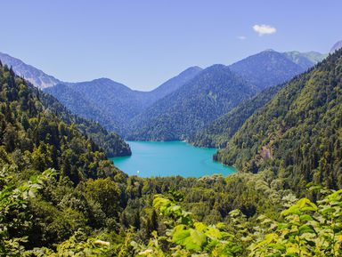 Три в одном: озеро Рица, Новый Афон и Пицунда