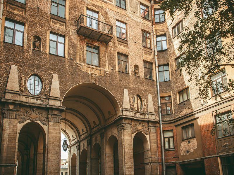 Экскурсия Толстовский дом снаружи и внутри