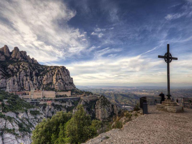 Экскурсия Групповой тур в сказочный Монтсеррат из Барселоны