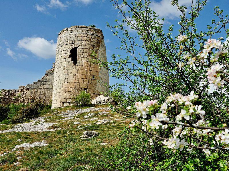 Экскурсия Сюйреньская крепость иЧелтер-Коба: Средние века вкрымских горах