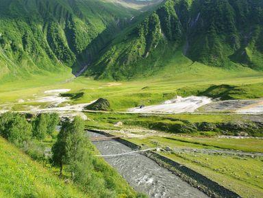 Затерянное ущелье Трусо и долина нарзанов