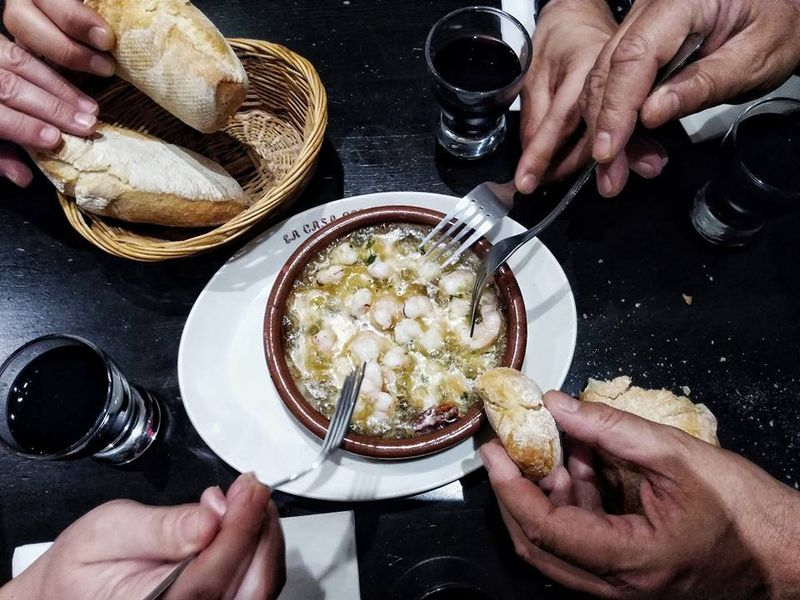 Фото Мадрид со вкусом фасоли и кальмаров