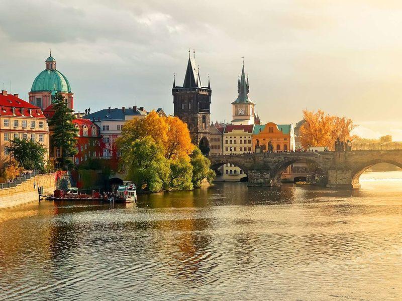 Экскурсия На автобусе и теплоходе по сердцу Праги