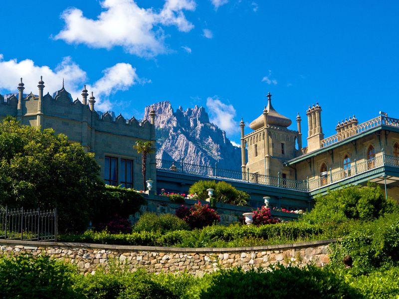 Экскурсия Автобусная экскурсия по дворцам и паркам Южного Крыма
